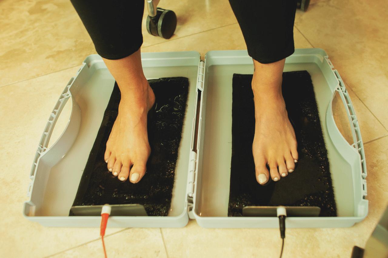 hyperhidrosis-vs-drionic-ra-fischer-iontophoresis-foot-bath